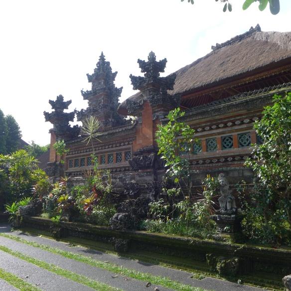 temple-seminyak